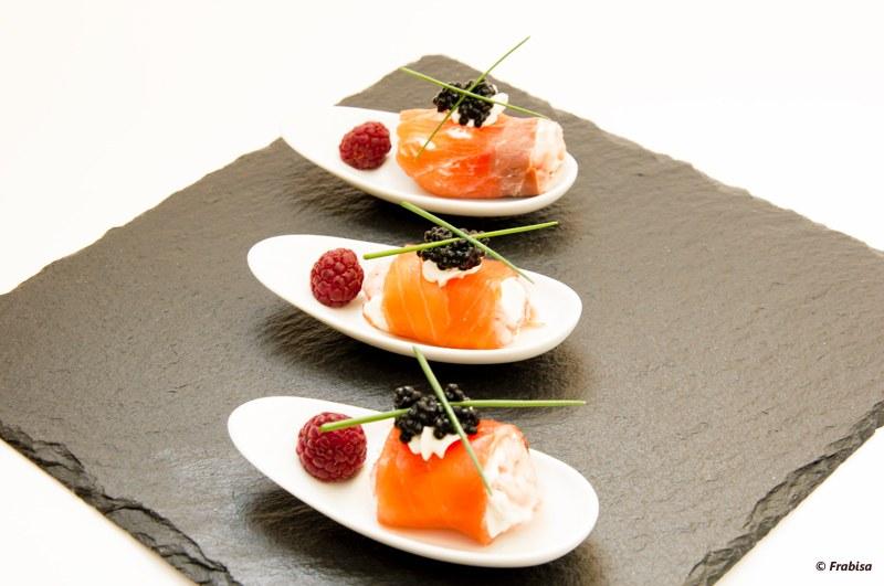 Bocados de salm n queso y frambuesas la cocina de - Aperitivos de salmon ahumado ...