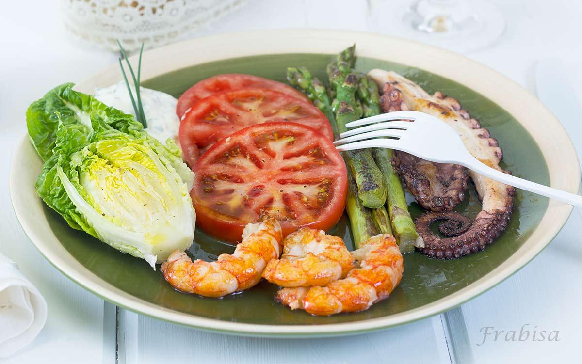 Ensalada de pulpo y langostinos receta la cocina de for Cocinar pulpo