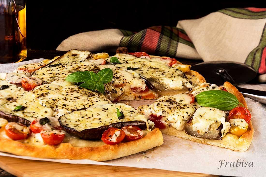 pizza, provolone, tomates, berenjenas