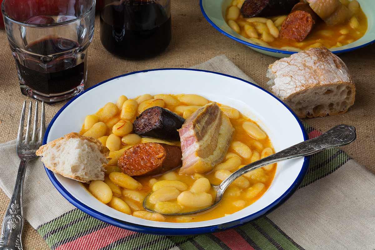 Fabada asturiana un cl sico de toda la vida cocina for Como cocinar fabada asturiana