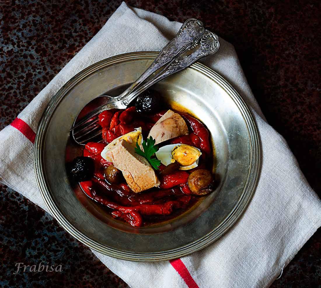 Ensalada de pimientos asados con ventresca la cocina de - Cocinar pimientos asados ...