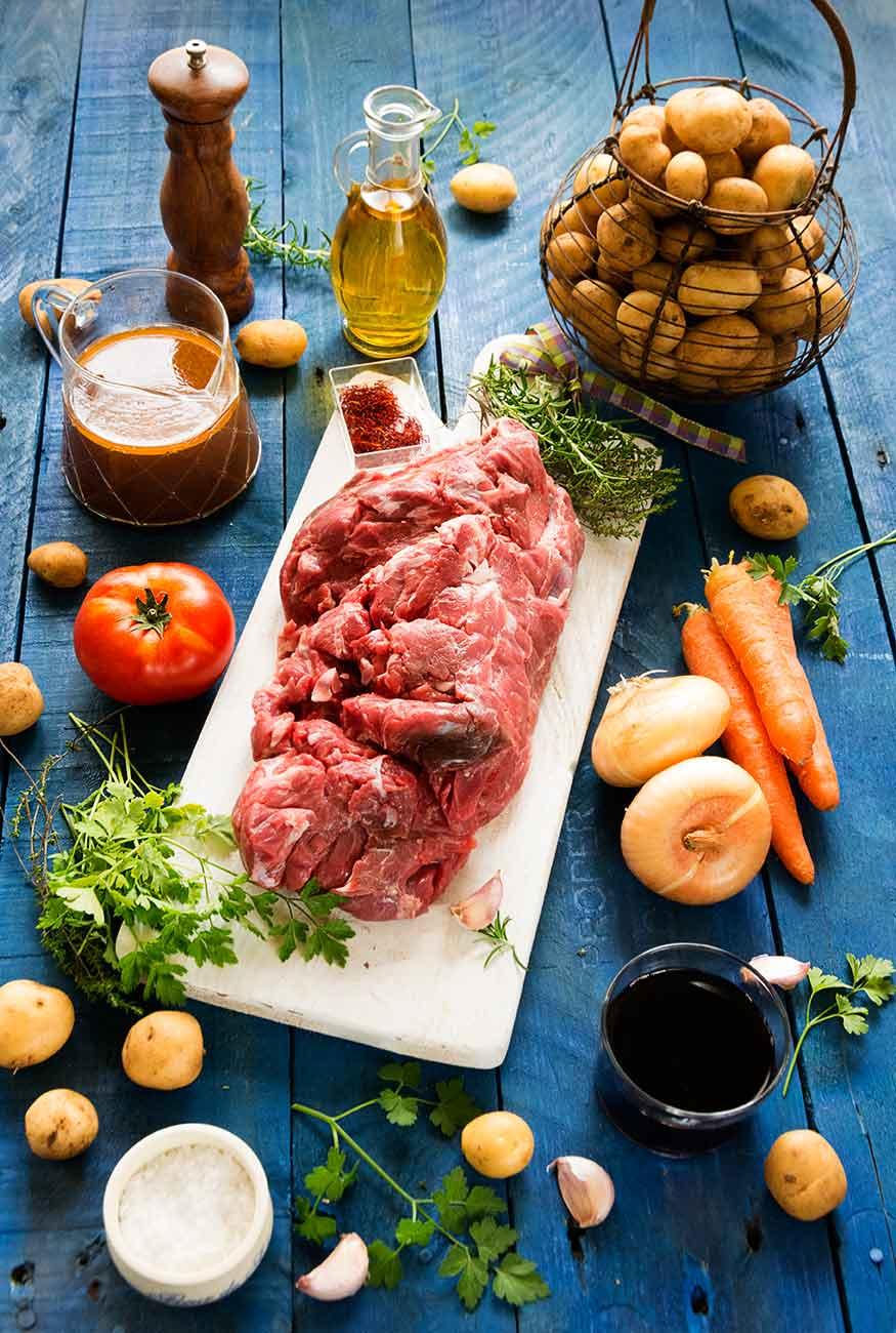 carne asada, ternera gallega, cocina tradicional, patatas, salsa
