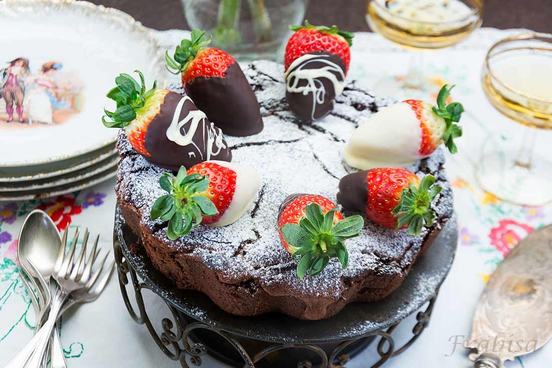 bizcocho chocolate blanco y fresas