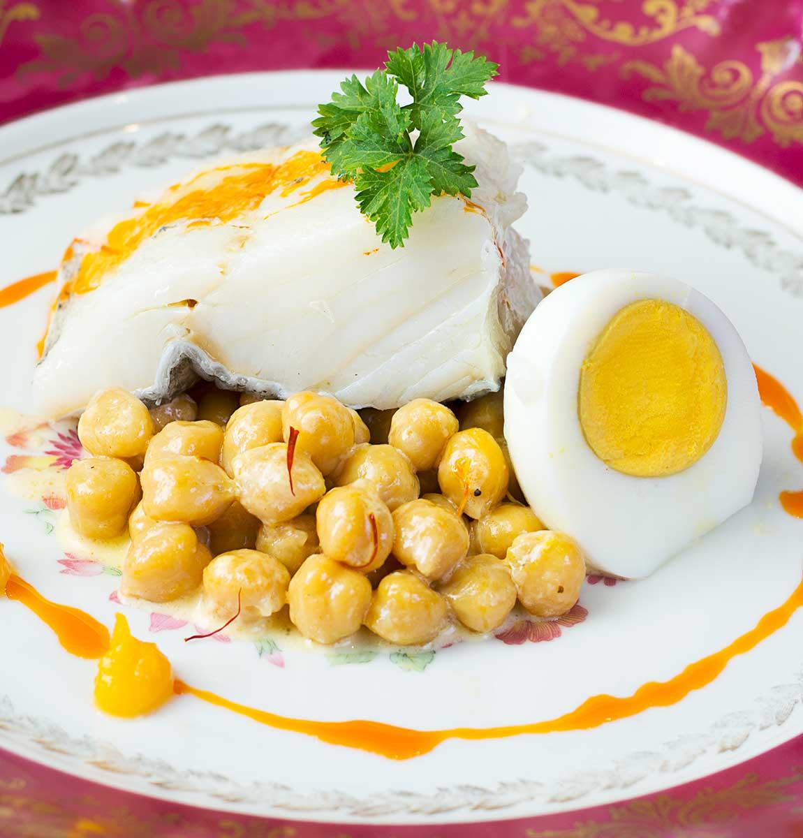 bacalao-garbanzos-calabaza, huevo