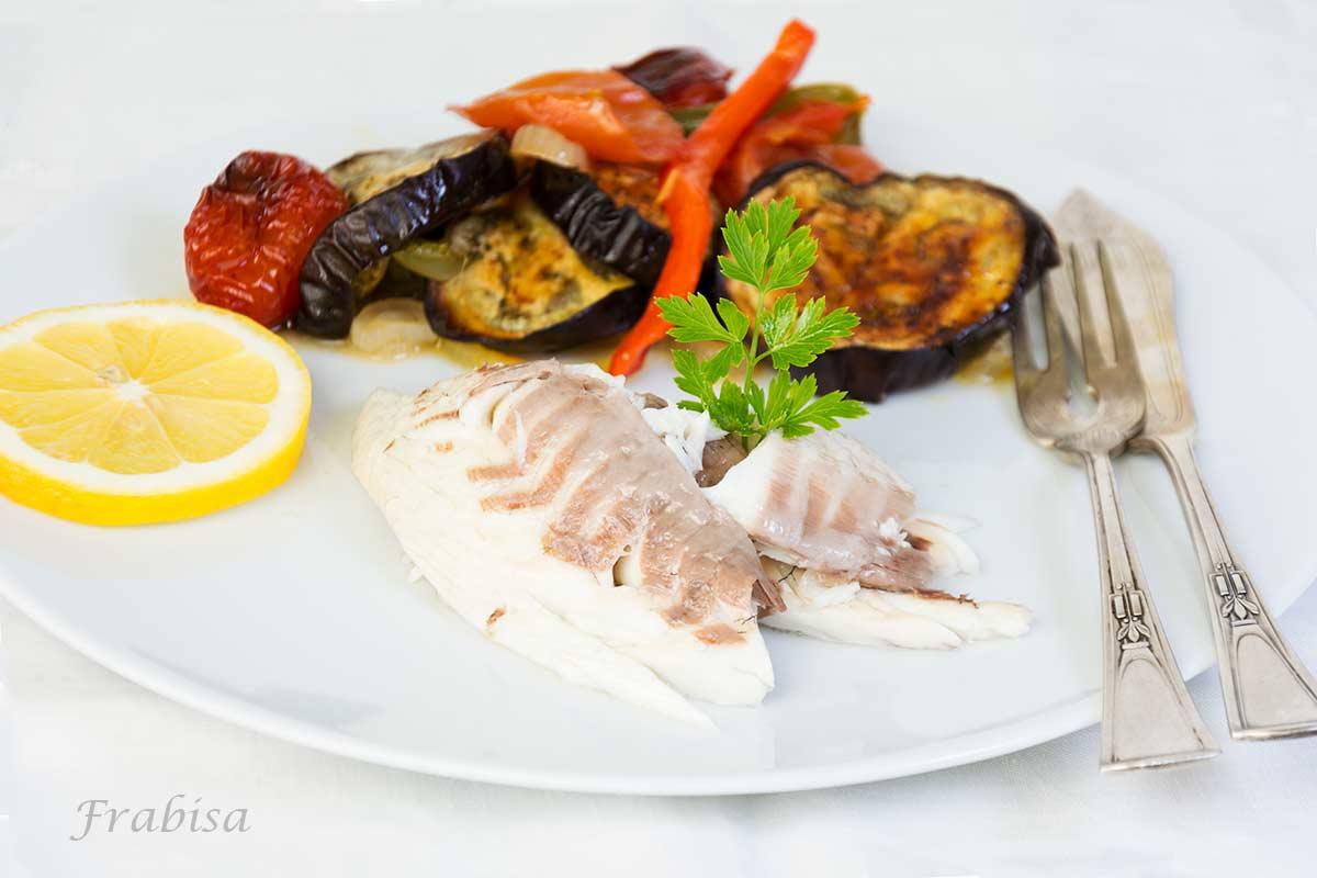 dorada, verduras, horno, asado