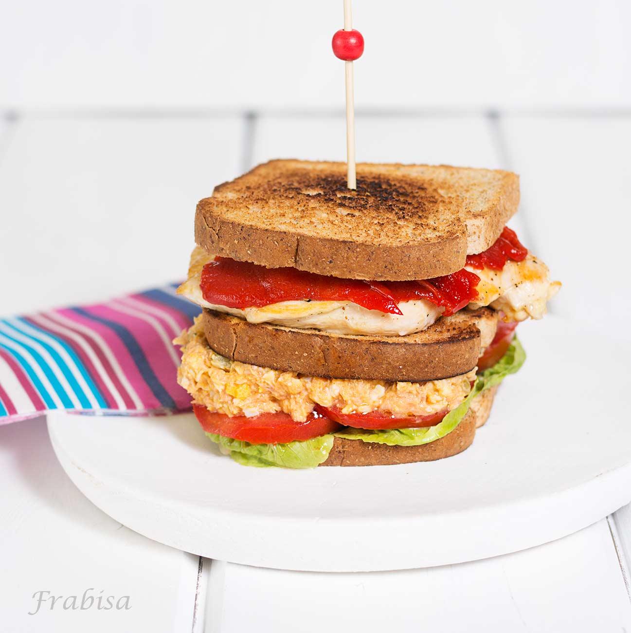 sandwich, pollo, atun, huevo