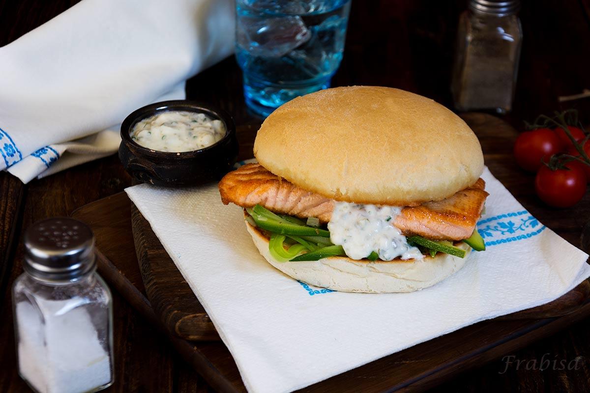 Sandwich-de-salmon-y-calabacin-frabisa