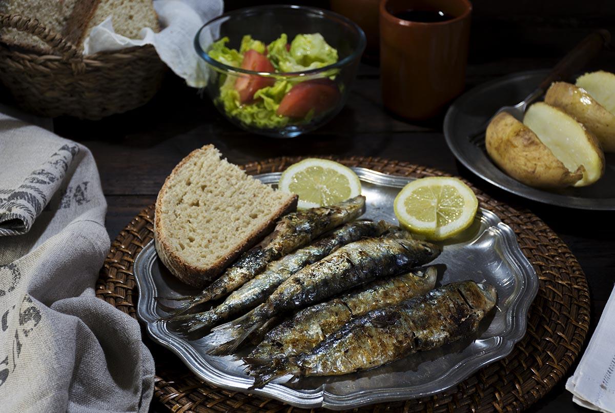 Sardinas asadas en el horno truco contra el olor la - Como cocinar sardinas ...