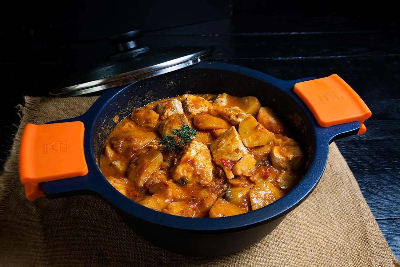 guiso,-bonito-marmitako, pescado, salsa, tomate, galicia, patatas