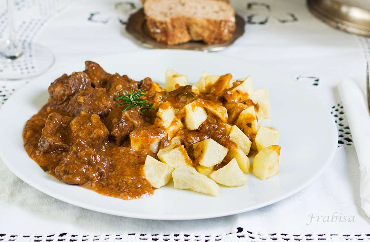 Propuestas con carne para navidad la cocina de frabisa for Corzo con patatas