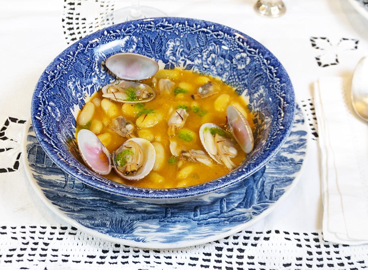 Fabas Con Almejas Cocina Asturiana