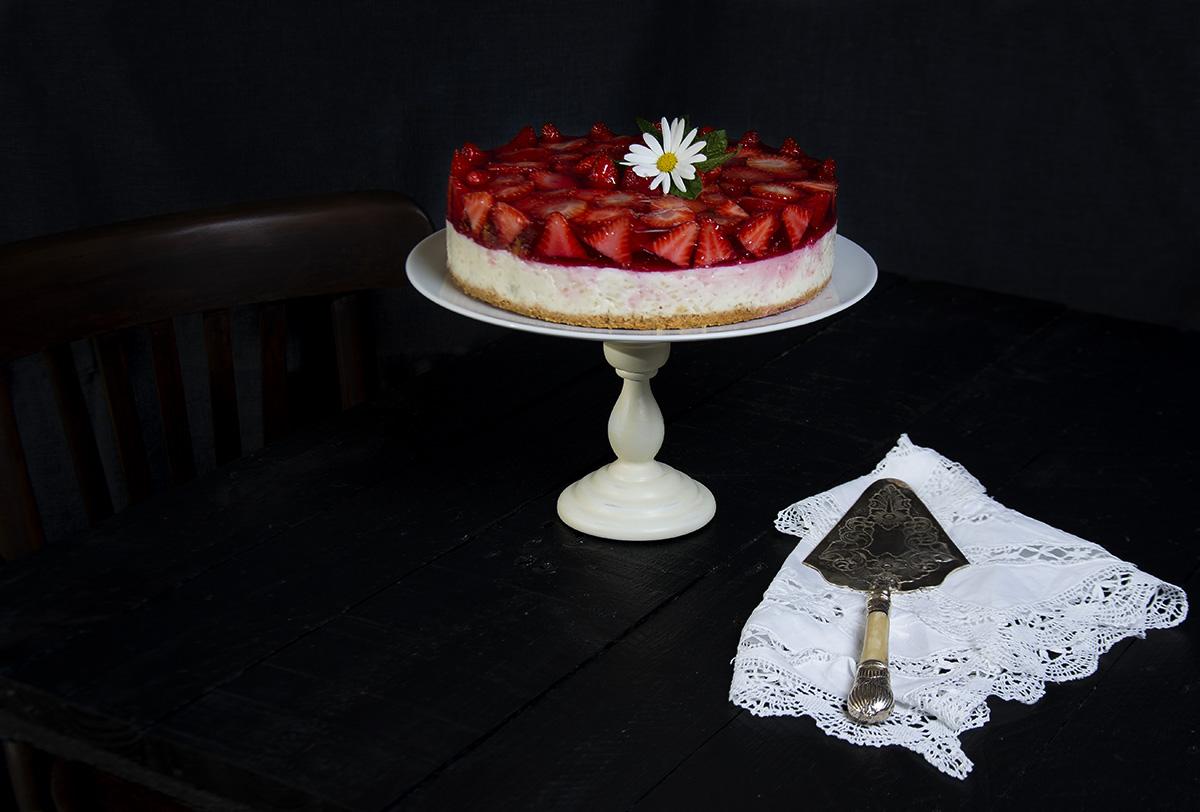tarta arroz con leche y fresas