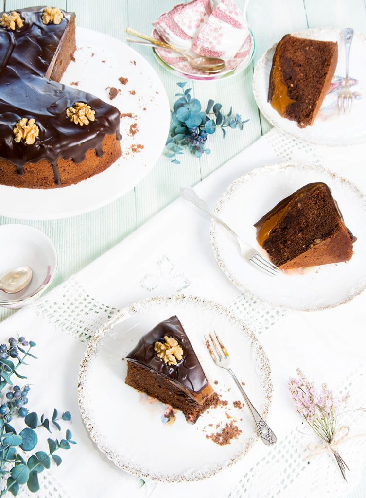 bizcocho-de-chocolate-y-dulce-de-leche-1