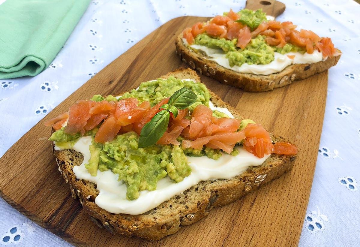 Tostas de aguacate y salmón. Brunch - La Cocina de Frabisa La Cocina de  Frabisa